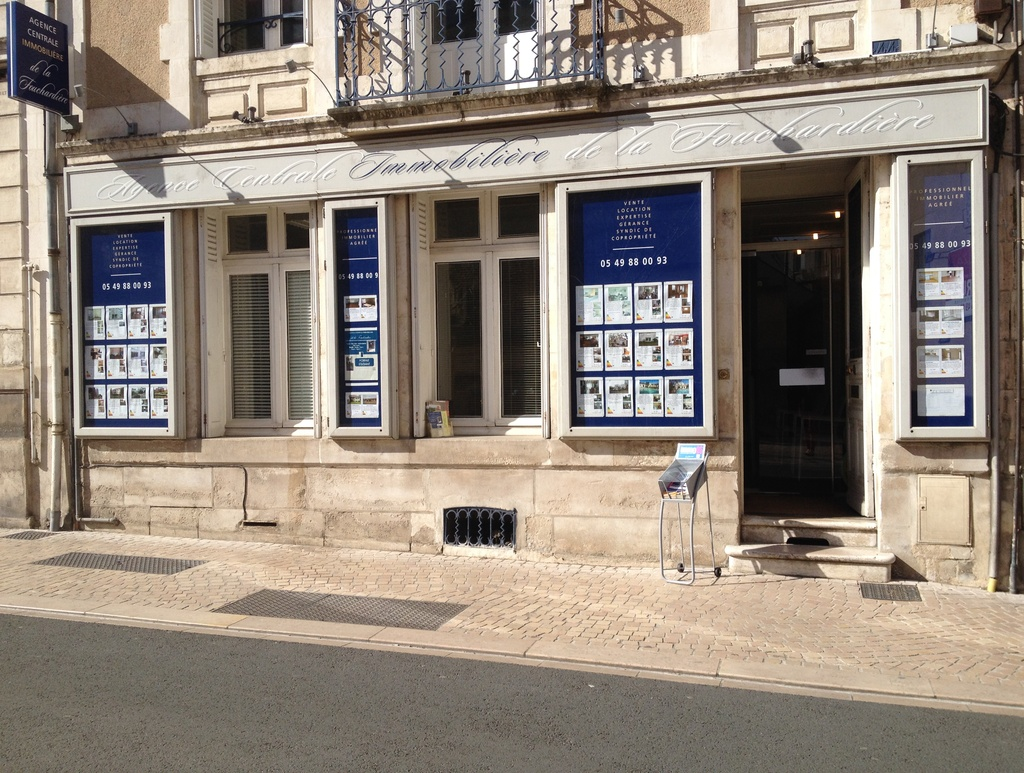 Agence centrale immobli re de la fouchardi re agence for Agence immobiliere poitiers