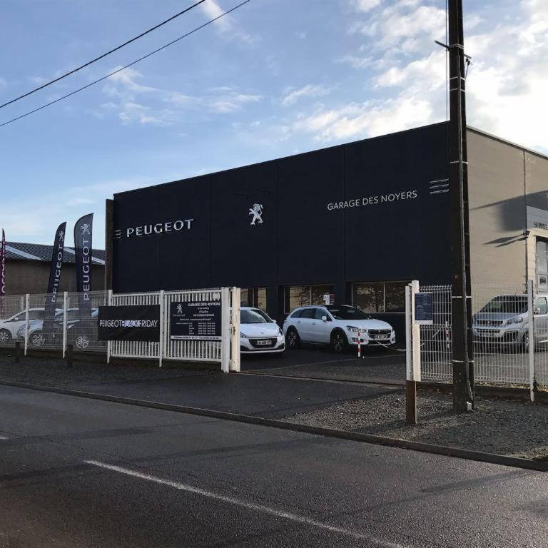 Garage des noyers garage automobile 6 rue bray 35510 for Garage sourget peugeot rennes