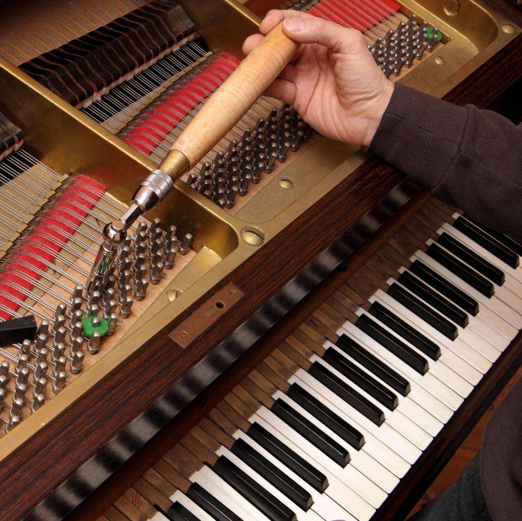 Cochet Gilles - Accordeur et réparateur de pianos - Elven