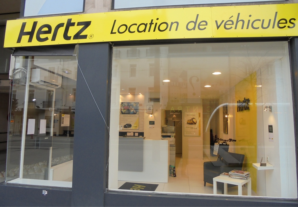 hertz lsa location d 39 automobiles de tourisme et d 39 utilitaires 20 avenue du mar chal foch. Black Bedroom Furniture Sets. Home Design Ideas