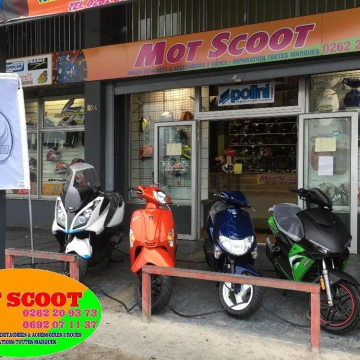 mot scoot vente et r paration de motos et scooters 324 rue mar chal leclerc 97400 saint denis. Black Bedroom Furniture Sets. Home Design Ideas