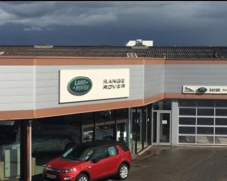 Saint christophe prestige garage automobile 21 avenue for Garage land rover nancy
