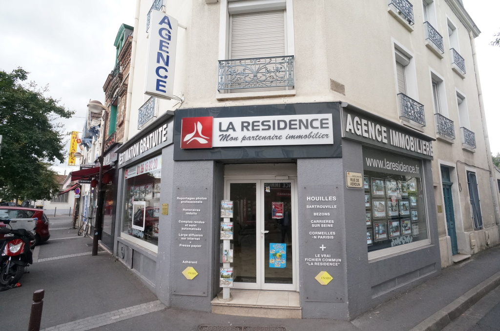 7 Place Gare 78800 Houilles