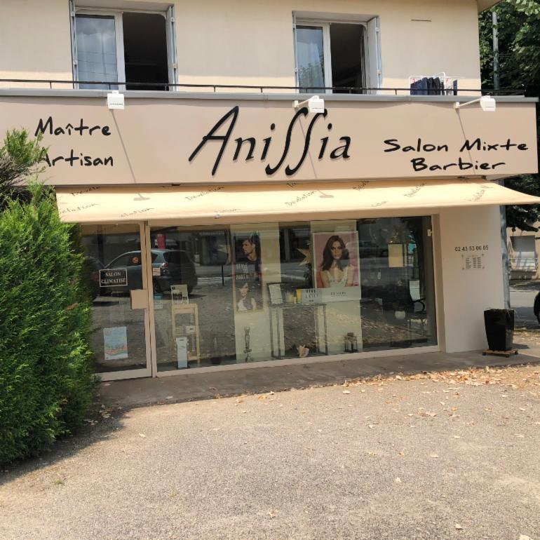 anissia coiffure coiffeur 28 avenue du mar chal leclerc 53000 laval adresse horaire. Black Bedroom Furniture Sets. Home Design Ideas