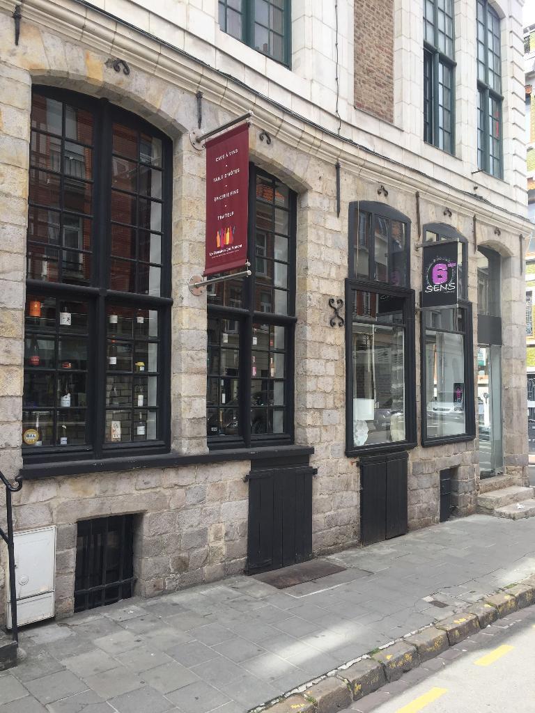 6eme Sens Coiffeur 71 Rue De L Hopital Militaire 59000 Lille