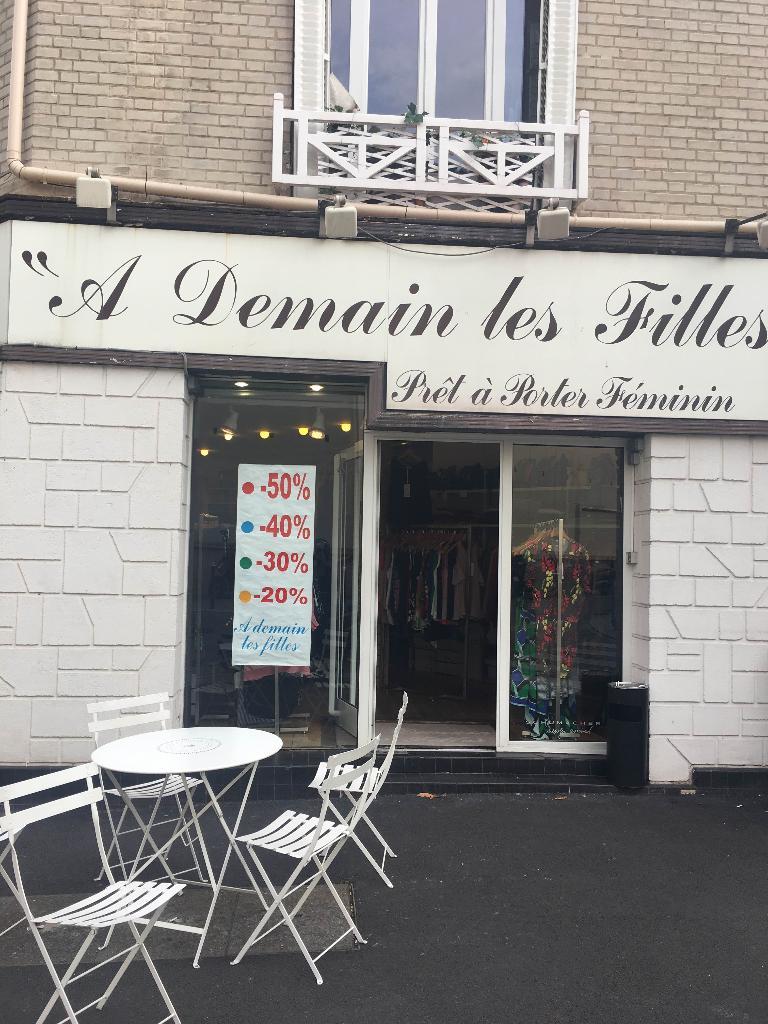A demain les filles v tements femme 18 bis rue diderot 92150 suresnes adresse horaire - Horaires grand comptoir suresnes ...