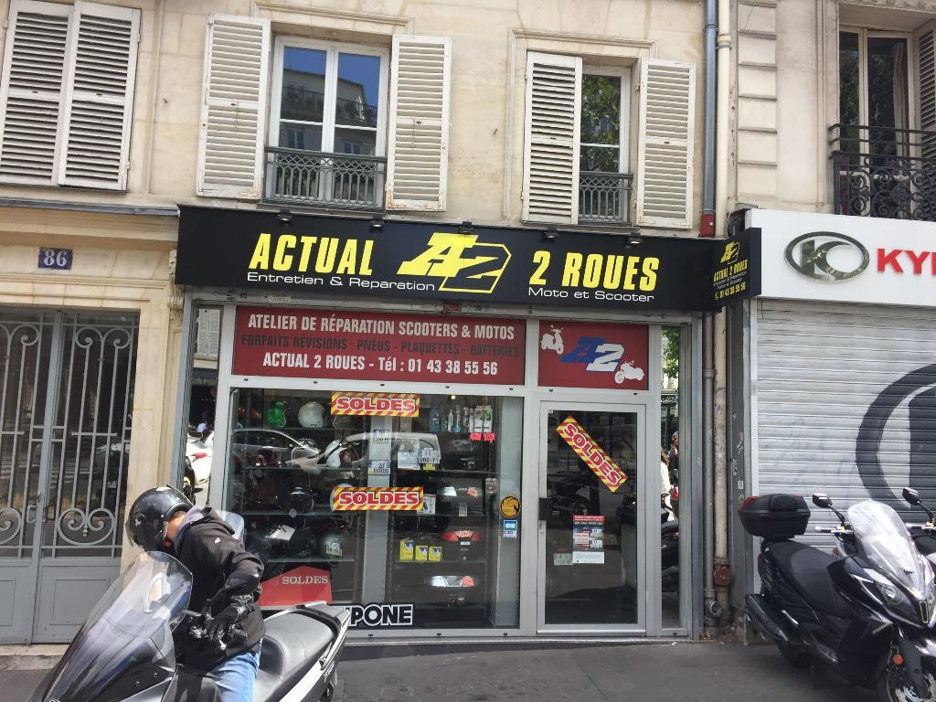 actual scoot vente et r paration de motos et scooters 86 boulevard beaumarchais 75011 paris. Black Bedroom Furniture Sets. Home Design Ideas