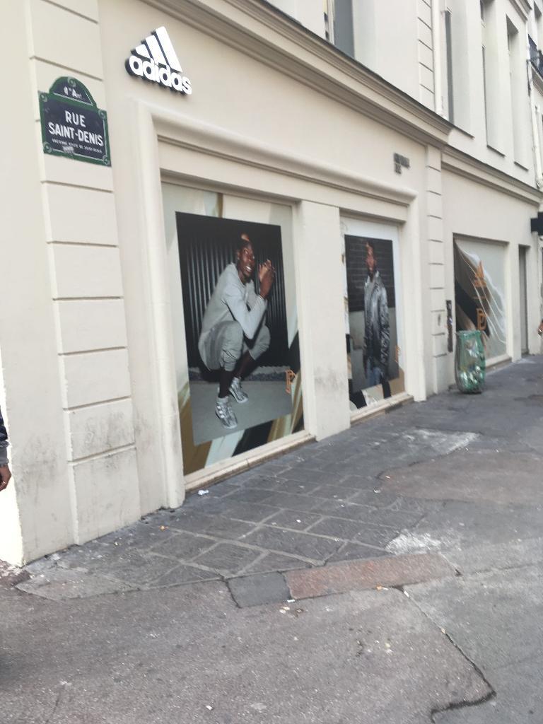 Adidas - Magasin de sport, 4 rue Berger 75001 Paris - Adresse, Horaire