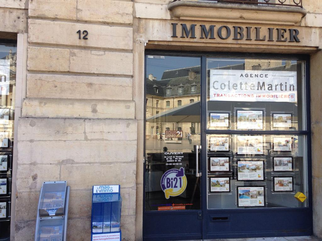 Agence colette martin agence immobili re 10 place de la for Agence immobiliere 4