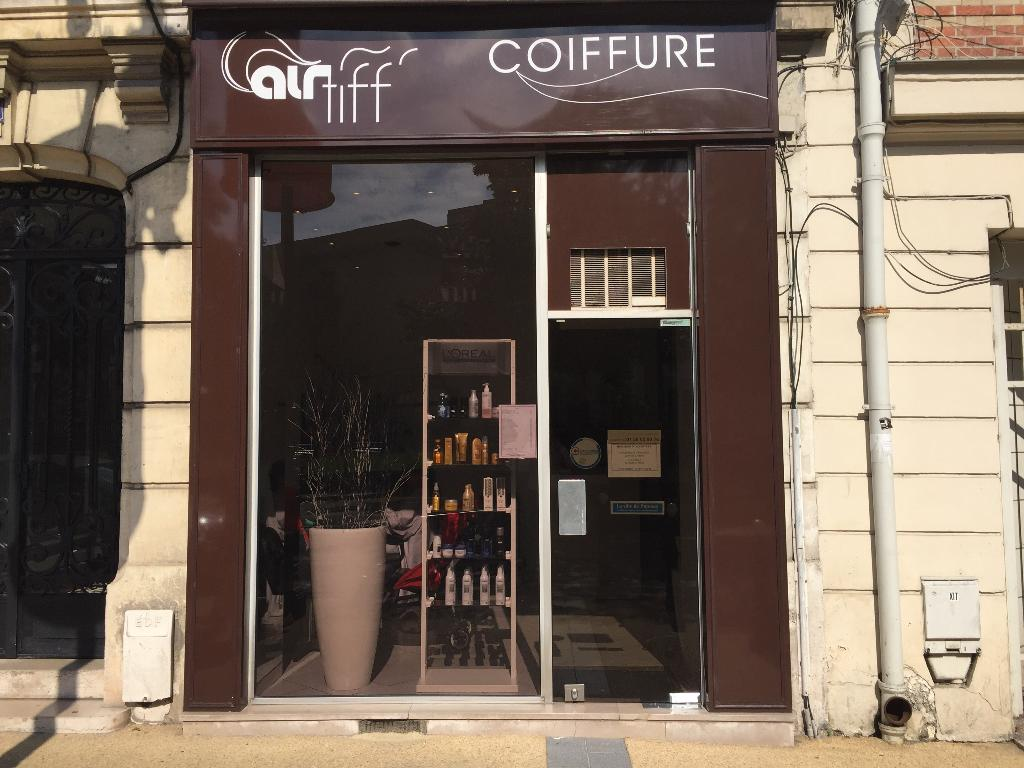 air tiff coiffeur 18 rue anatole france 92800 puteaux adresse horaire. Black Bedroom Furniture Sets. Home Design Ideas