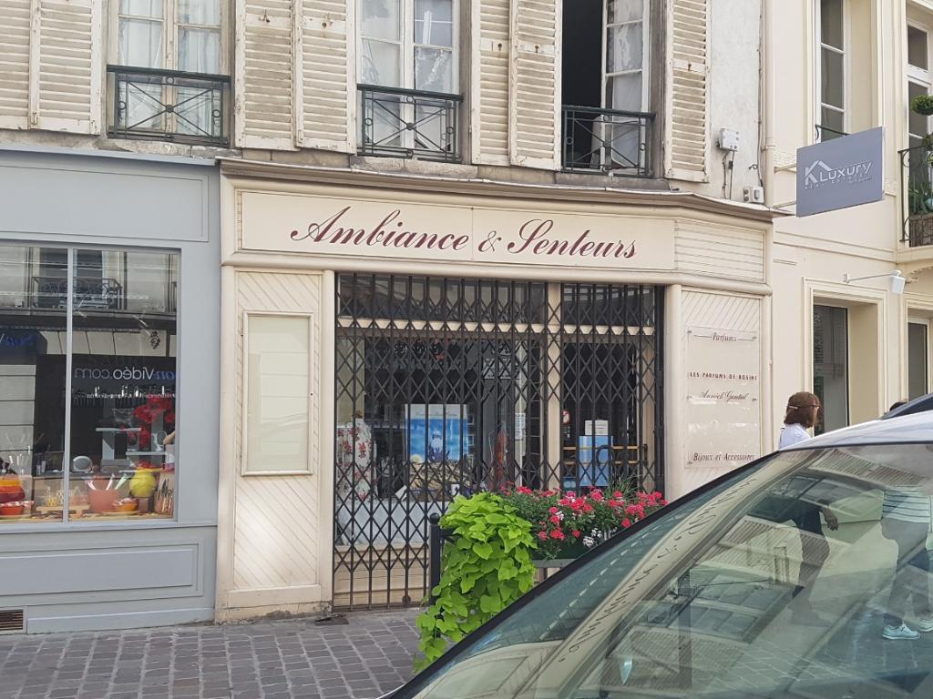 ambiance et senteurs d 39 autrefois parfumerie 31 rue vieil abreuvoir 78100 saint germain en. Black Bedroom Furniture Sets. Home Design Ideas