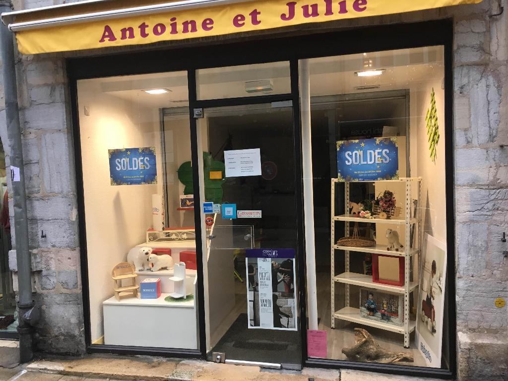 Antoine et Julie - Chaussures, 31 rue Bersot 25000 Besançon ... 88735d6b1c44