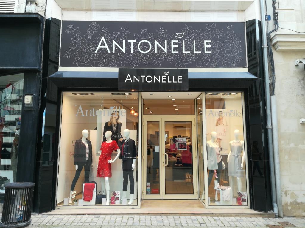 Antonelle, 4 r Ricard, 79000 Niort - Magasins de vêtement (adresse, horaires ) a037846f543