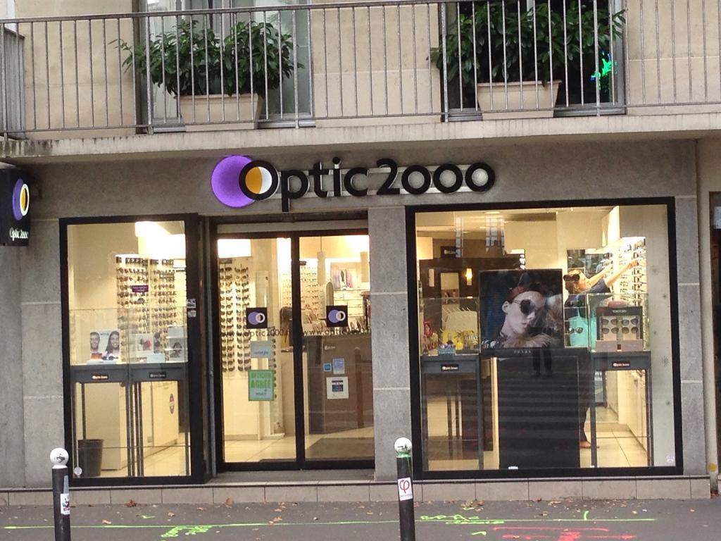 optic 2000 opticien 379 rue des pyr n es 75020 paris adresse horaire. Black Bedroom Furniture Sets. Home Design Ideas