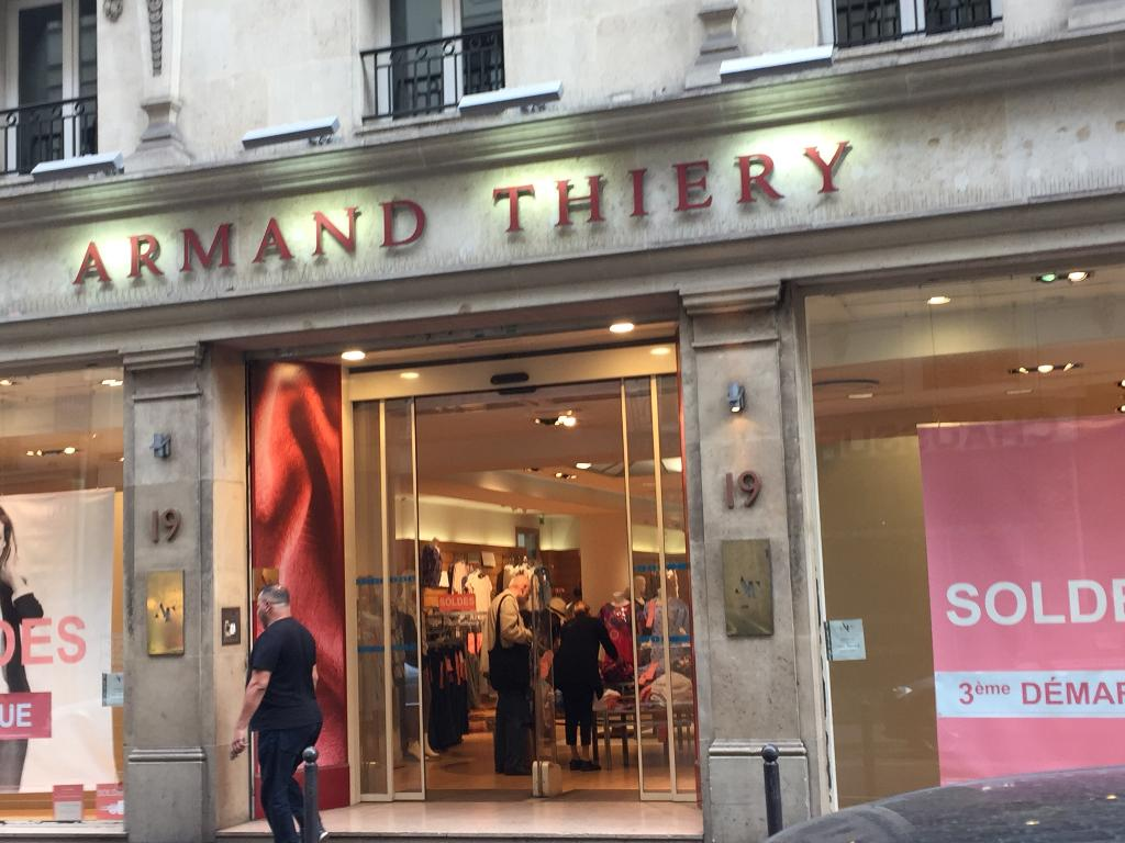 eee831c2c05b9 Armand Thiéry - Vêtements femme, 15 rue Mathurins 75009 Paris ...