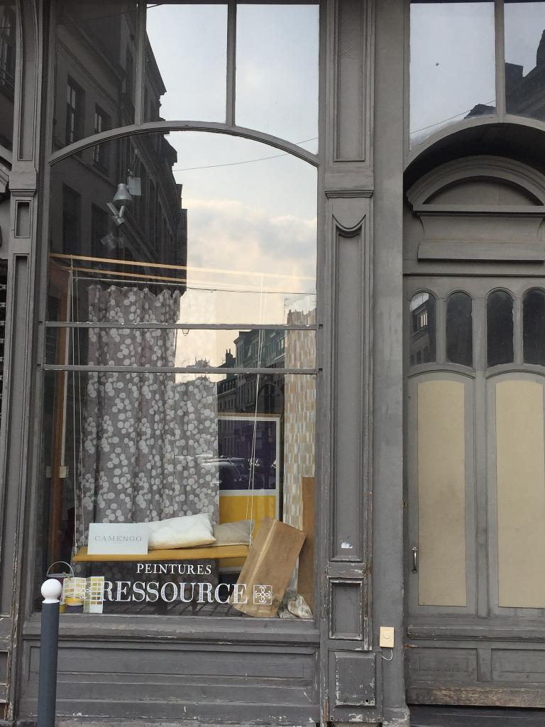 atmosphere rideaux voilages et tissus d 39 ameublement 126 rue esquermoise 59000 lille. Black Bedroom Furniture Sets. Home Design Ideas