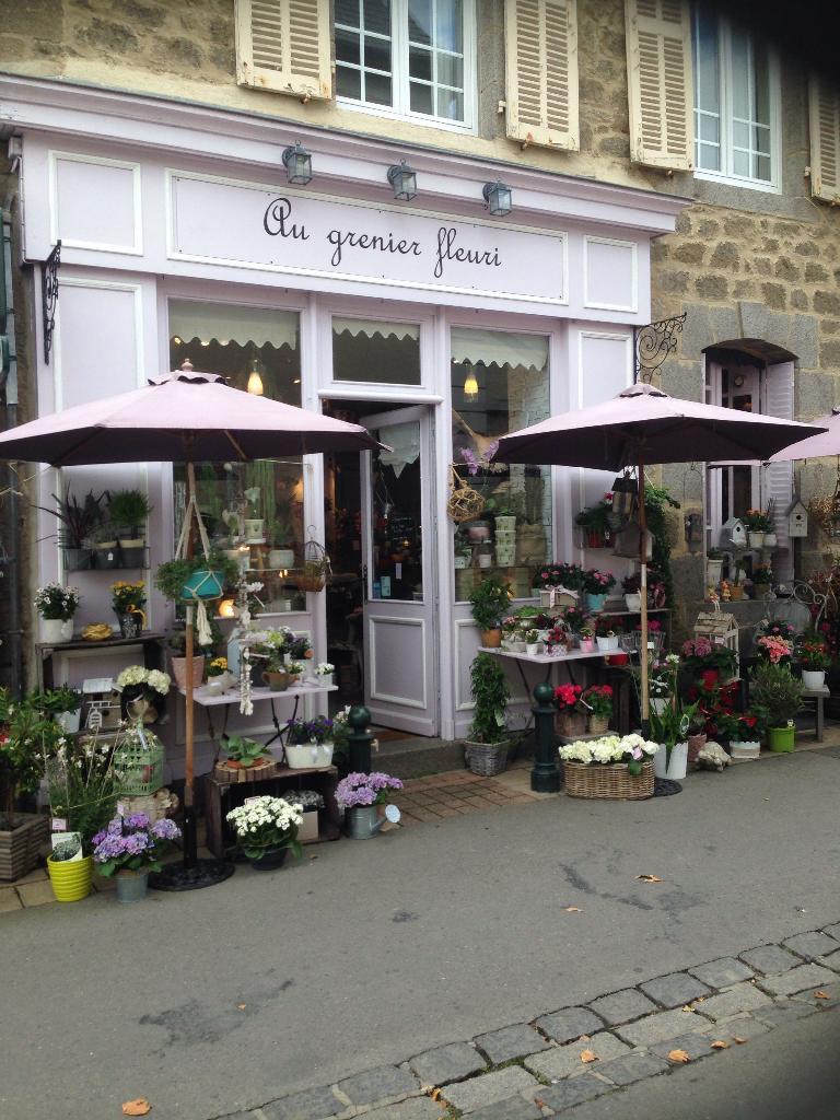 Au grenier fleuri fleuriste 32 rue du port 35260 for Adresse fleuriste