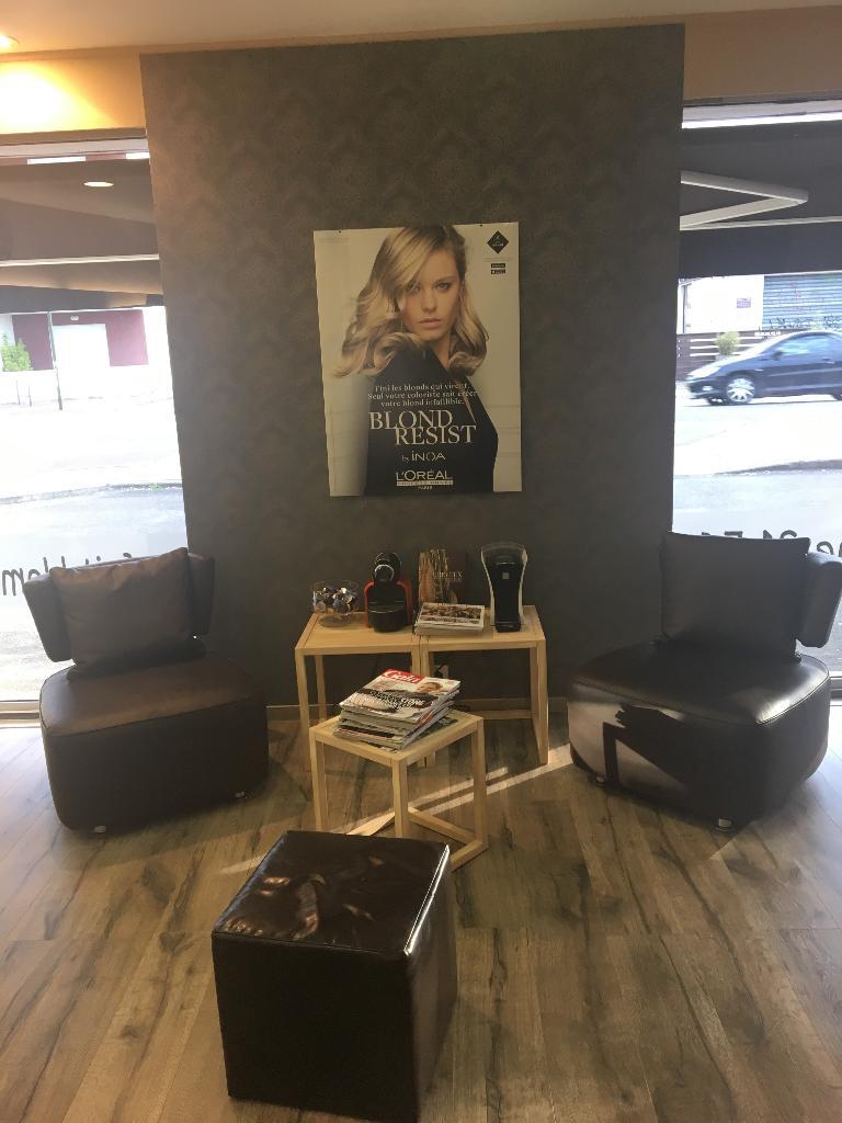 au petit salon coiffeur 112 avenue montaigne 33160 saint m dard en jalles adresse horaire. Black Bedroom Furniture Sets. Home Design Ideas