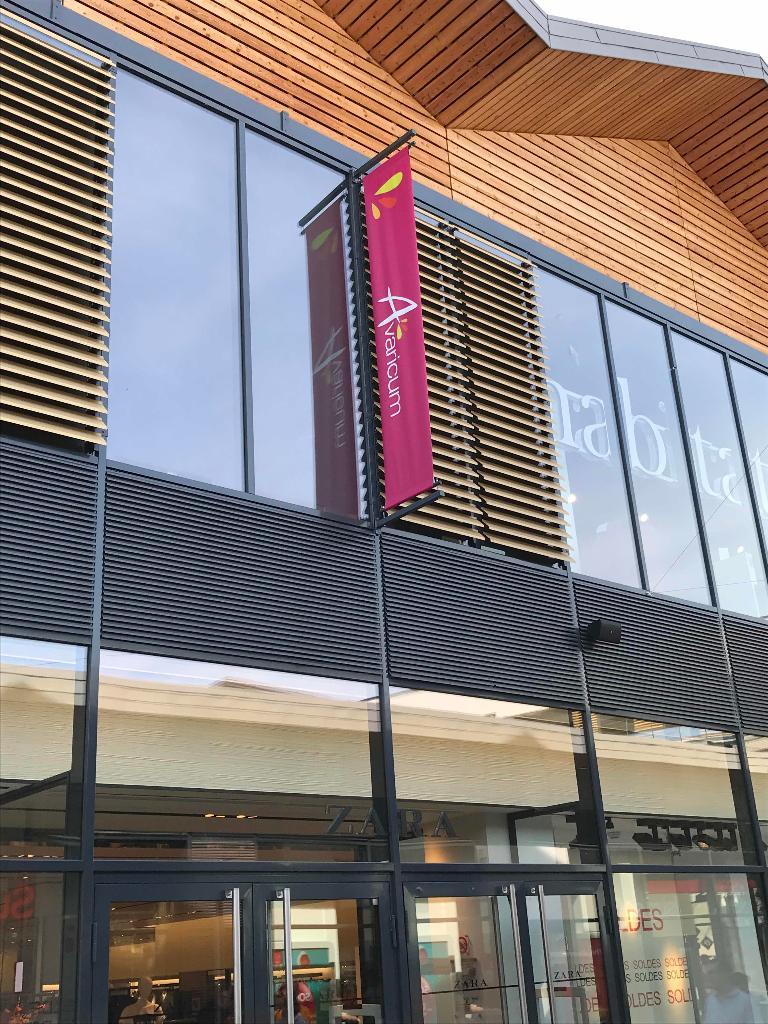 avaricum esthetique institut de beaut 30 cours avaricum 18000 bourges adresse horaire. Black Bedroom Furniture Sets. Home Design Ideas