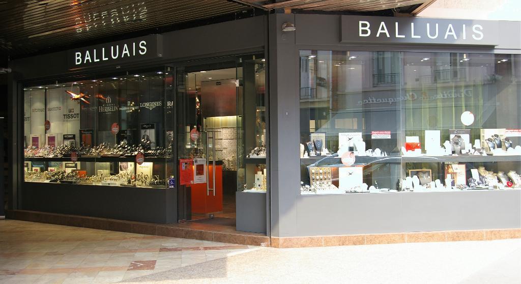 balluais bijoux 22 rue chartraine 27000 vreux adresse horaire. Black Bedroom Furniture Sets. Home Design Ideas