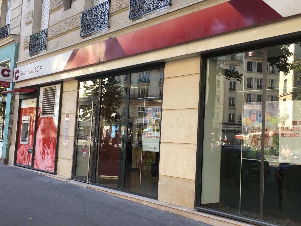 Banque bcp banque 46 avenue de la r publique 75011 for Garage oberkampf parking