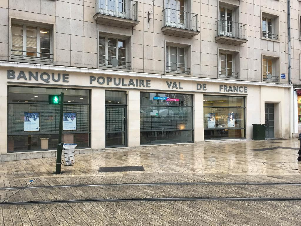banque populaire val de france banque 11 place g n ral de gaulle 45000 orl ans adresse horaire. Black Bedroom Furniture Sets. Home Design Ideas