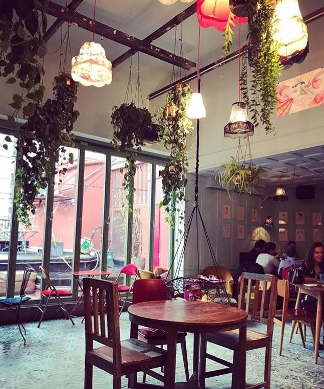bar bulles restaurant 90 boulevard de clichy 75018 paris adresse horaire. Black Bedroom Furniture Sets. Home Design Ideas