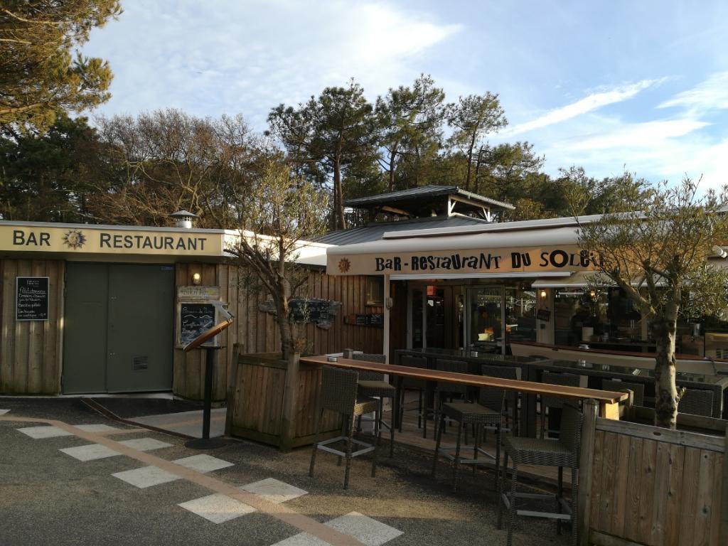 bar restaurant du soleil restaurant avenue go lands. Black Bedroom Furniture Sets. Home Design Ideas