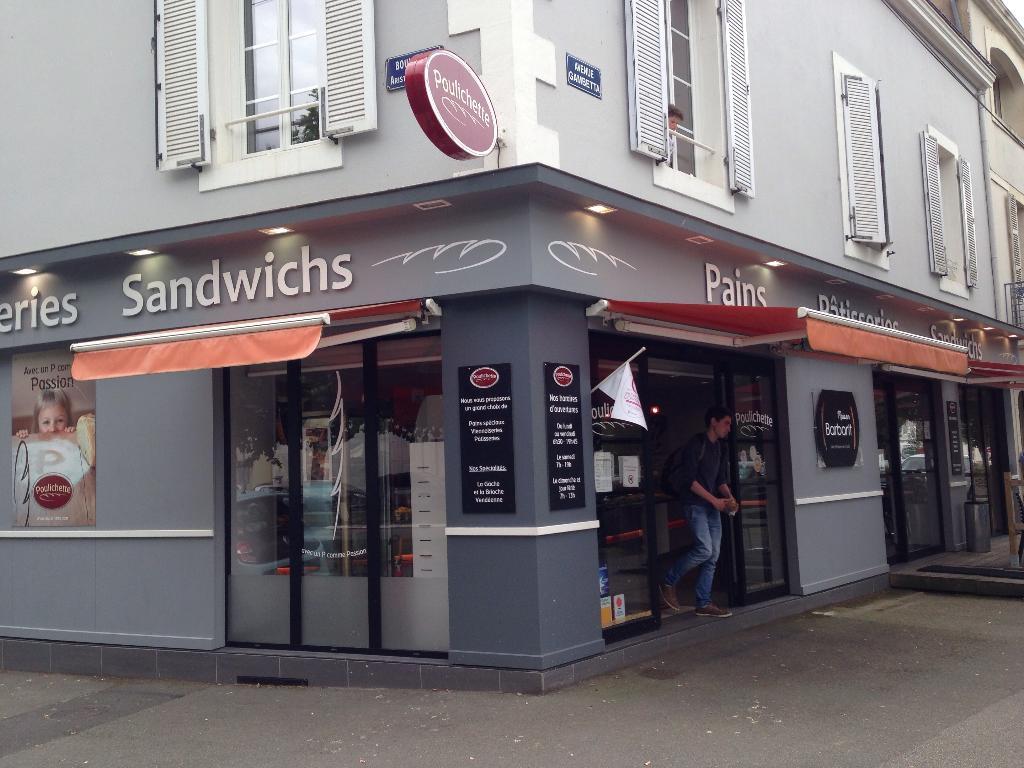 17 Boulevard des Belges - B.P. 691 85017 La Roche-sur-Yon (FRANCE) En période de cours universitaires, l'accueil est ouvert de 7h45 à 18h15 du lundi au jeudi ...
