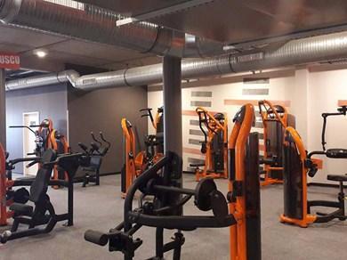 basic fit club de sport 5 rue guillaume apollinaire 25000 besan on adresse horaire. Black Bedroom Furniture Sets. Home Design Ideas