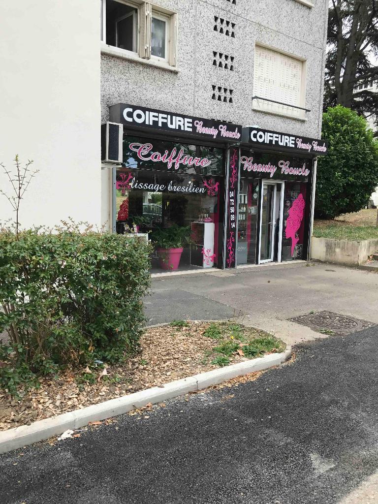 beauty boucle coiffeur 77 boulevard ambroise croizat 69200 v nissieux adresse horaire. Black Bedroom Furniture Sets. Home Design Ideas