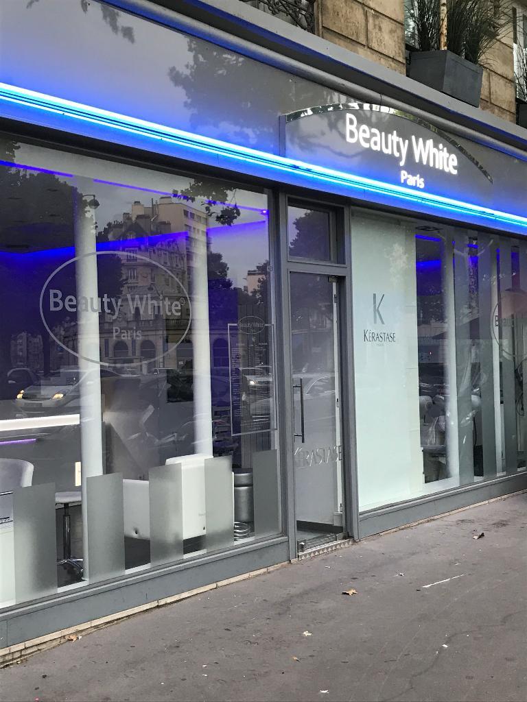 beauty white paris coiffeur 10 place mar chal juin 75017 paris adresse horaire. Black Bedroom Furniture Sets. Home Design Ideas