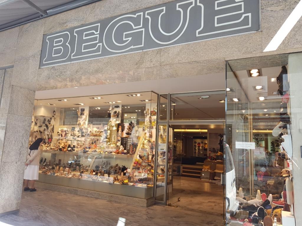 2bcb3706094af9 Bègue, 3 r Halles, 37000 Tours - Magasin de chaussures (adresse, horaires,  avis)