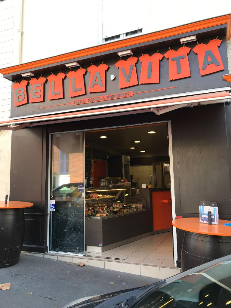 bella vita pizzeria restaurant 77 rue gutenberg 44000 nantes adresse horaire. Black Bedroom Furniture Sets. Home Design Ideas