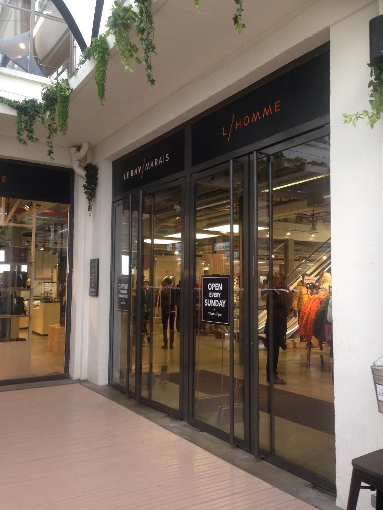 horaires Hermès 14 Parfumeur adresse r Paris BHV avis Temple du Rivoli 75004 c6rfSc