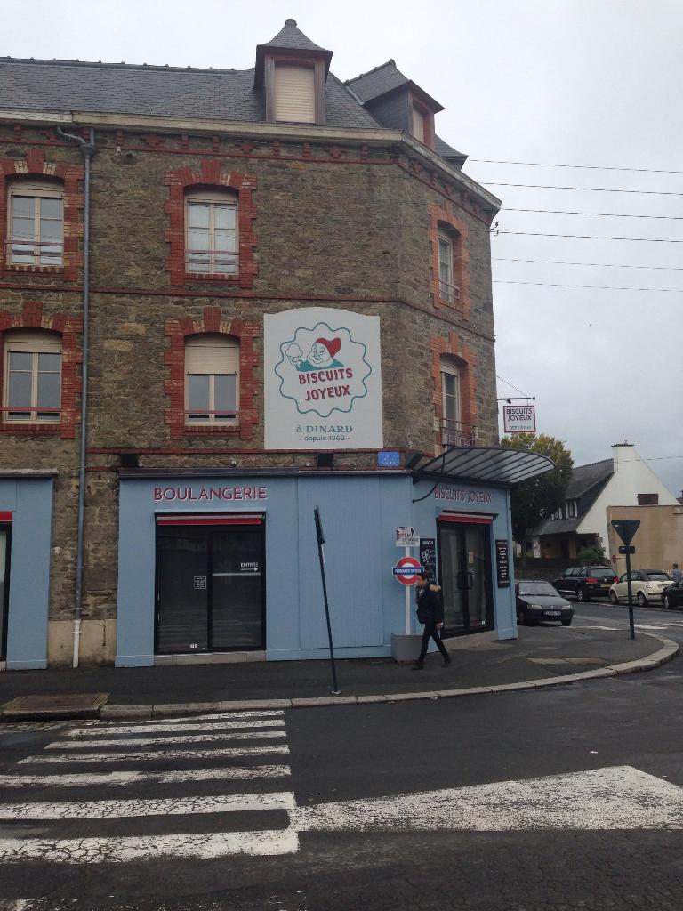 biscuits joyeux restaurant 52 rue gare 35800 dinard adresse horaire. Black Bedroom Furniture Sets. Home Design Ideas