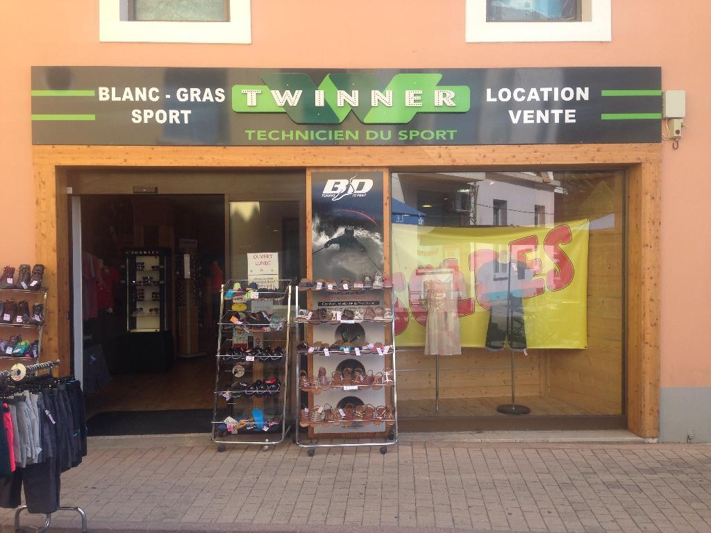blanc gras sport magasin de sport 39 rue saint arey 05000 gap adresse horaire. Black Bedroom Furniture Sets. Home Design Ideas