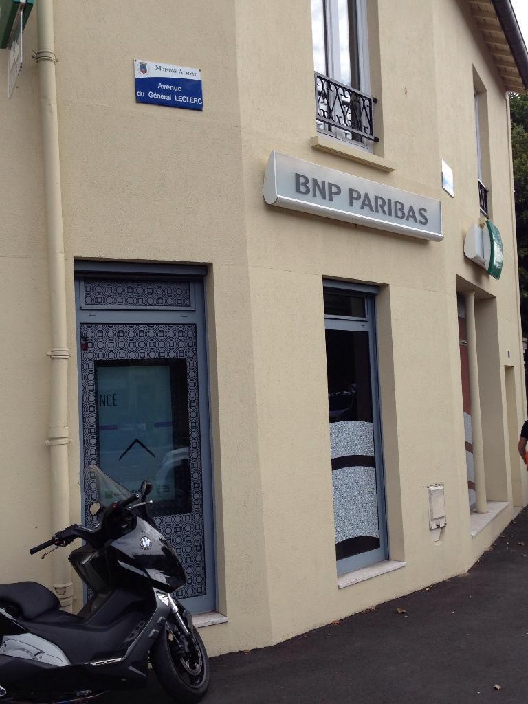 Bnp paribas banque 173 avenue du g n ral leclerc 94700 for Garage renault creteil avenue general leclerc
