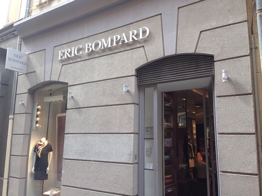 Bompard En Rue Glacière Aix De 13080 12 Vêtements Eric La Femme fAwxqddaW