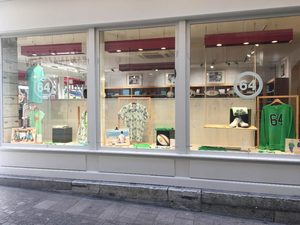 boutique 64 magasin de sport 64 rue d 39 espagne 64100 bayonne adresse horaire. Black Bedroom Furniture Sets. Home Design Ideas