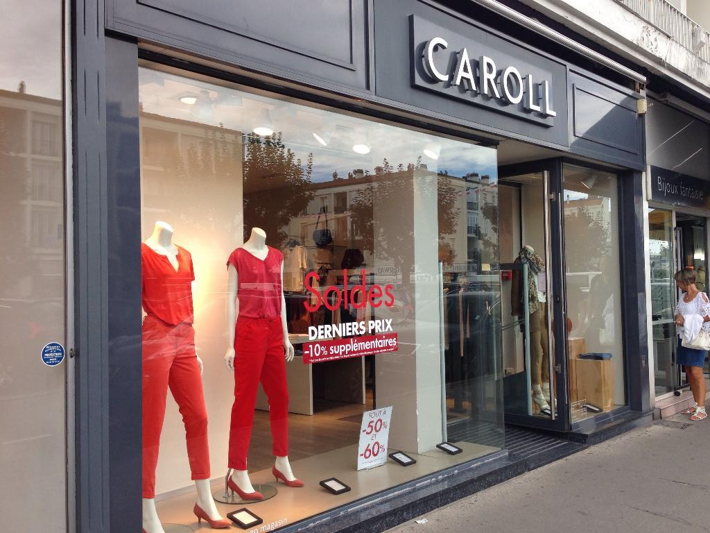 b378d3ea6e7 Boutique Caroll