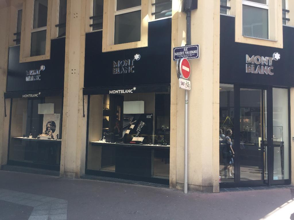 boutique montblanc bijoux 30 rue marguerite puhl demange 57000 metz adresse horaire. Black Bedroom Furniture Sets. Home Design Ideas
