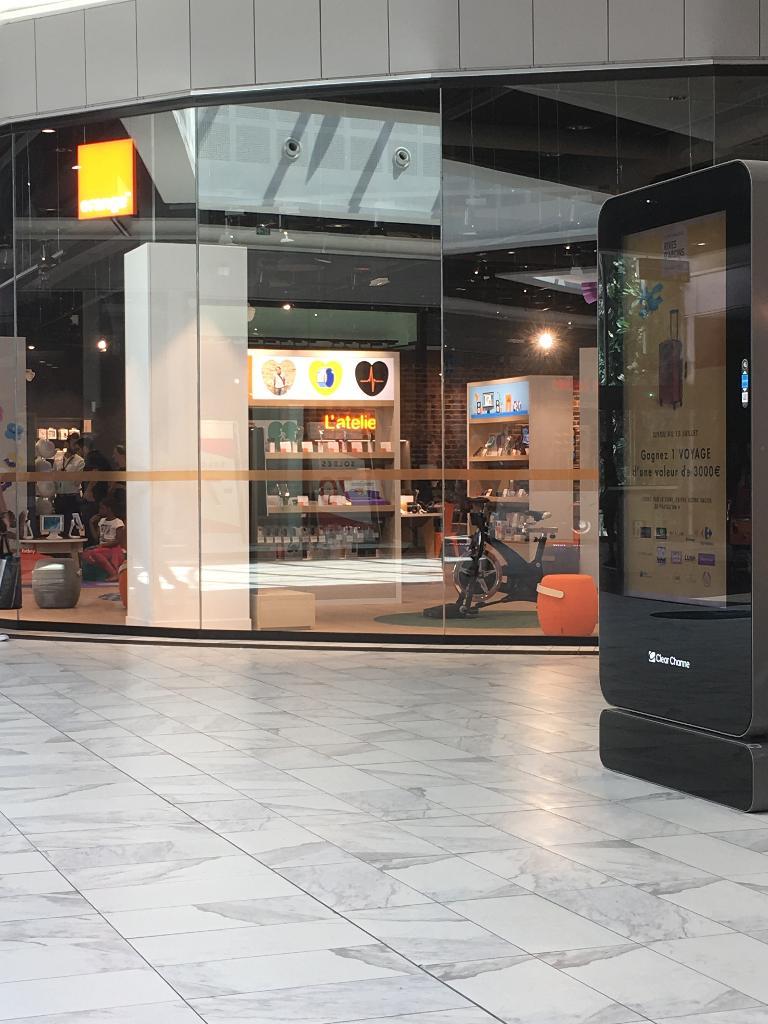 boutique orange vente de t l phonie centre commercial. Black Bedroom Furniture Sets. Home Design Ideas