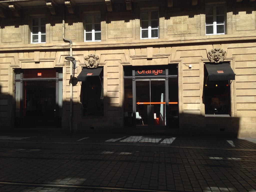 boutique orange vente de t l phonie 52 cours de l 39 intendance 33000 bordeaux adresse horaire. Black Bedroom Furniture Sets. Home Design Ideas