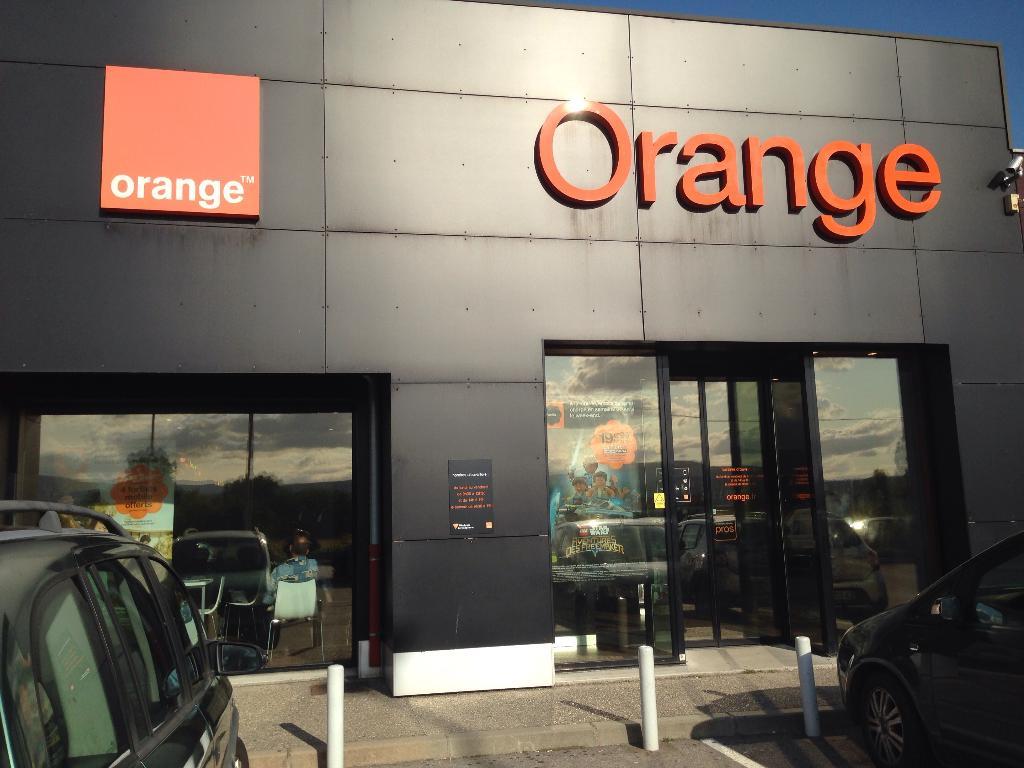 boutique orange vente de t l phonie 12 rue marcel cachin 38150 salaise sur sanne adresse. Black Bedroom Furniture Sets. Home Design Ideas