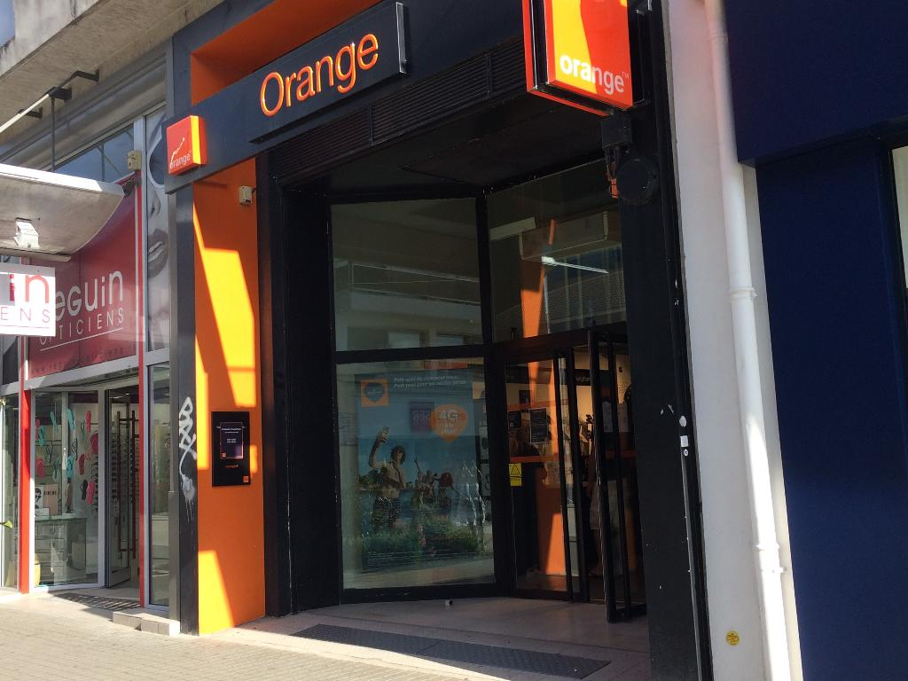 Boutique orange vente de t l phonie 15 rue georges - Boutique orange la roche sur yon ...