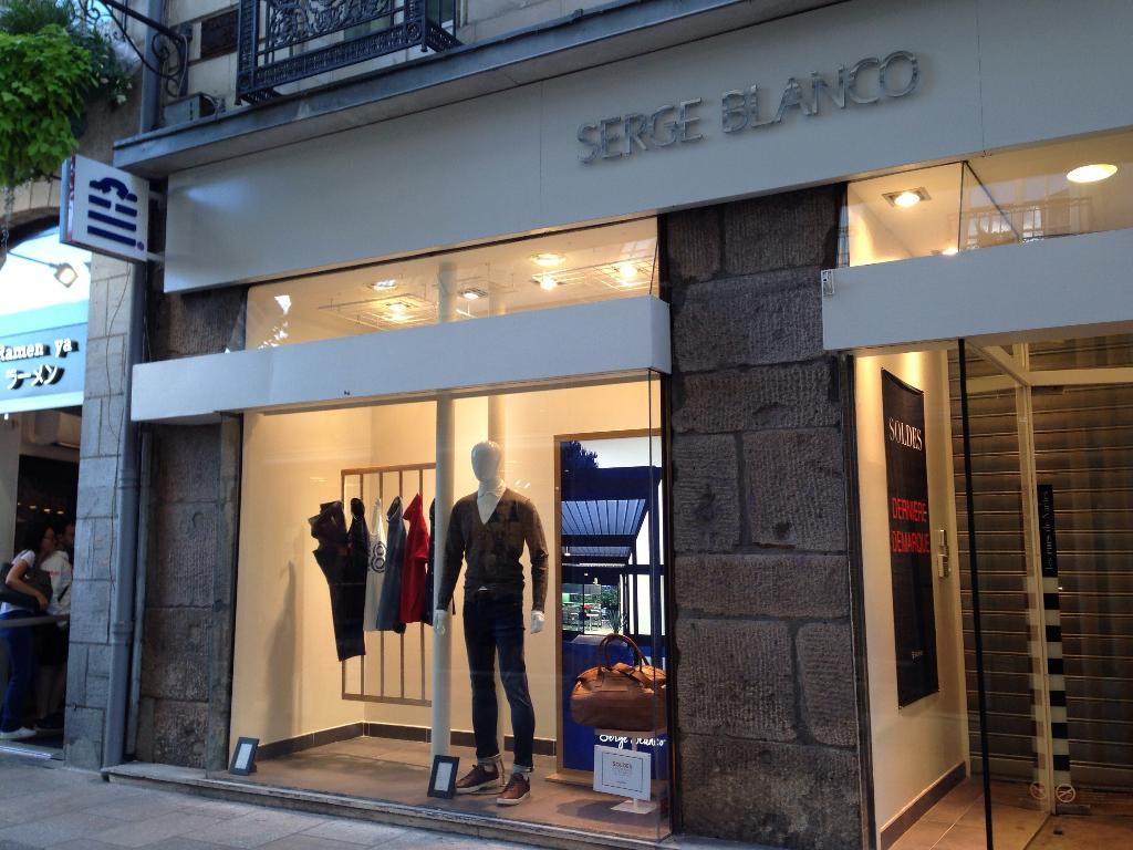 Boutique Serge Blanco - Vêtements homme, 24 rue Fosse 44000 Nantes ... 068fc95d447
