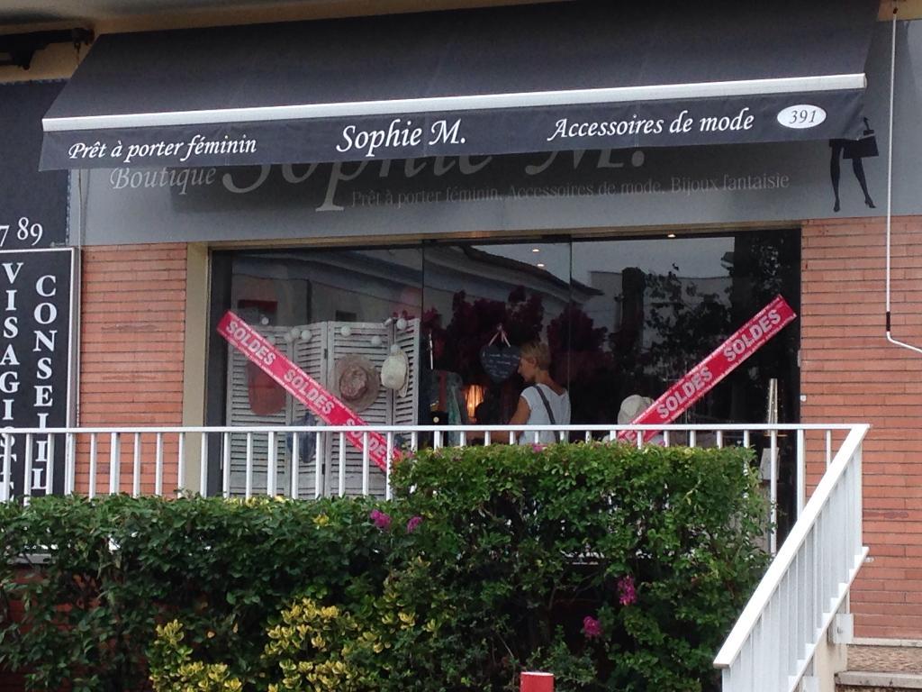 4a805e3ad701f9 Sophie M. Bordeaux - Magasins de vêtement (adresse, horaires)