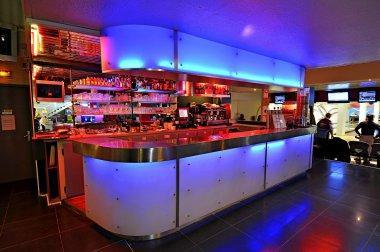 Bowling striky restaurant rue du port 94130 nogent sur - Horaires piscine de nogent sur marne ...