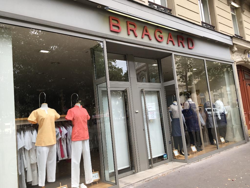 Bragard v tements de travail 7 place l on blum 75011 for Vetement cuisine paris